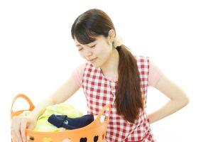 横浜の腰痛治療の整骨院「宮谷小交差点前せいこついん」の腰痛女性イメージ1