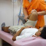 横浜市西区の整骨院「宮谷小交差点前せいこついん」の股関節ストレッチ治療のイメージ