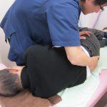 横浜市西区の整骨院「宮谷小交差点前せいこついん」の骨盤矯正治療のイメージ