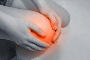 オスグットの症状で膝の前側が痛い成長期の人の写真