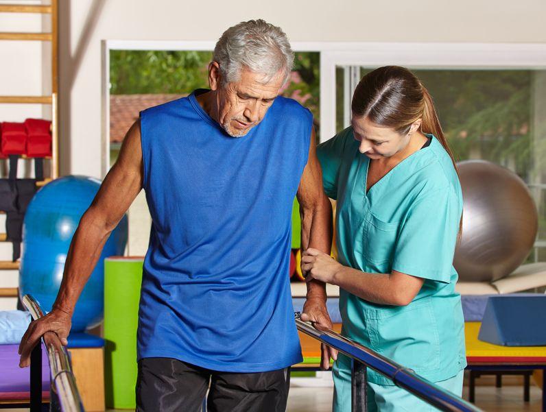 遠絡(えんらく)療法の片麻痺患者さんの治療後の写真