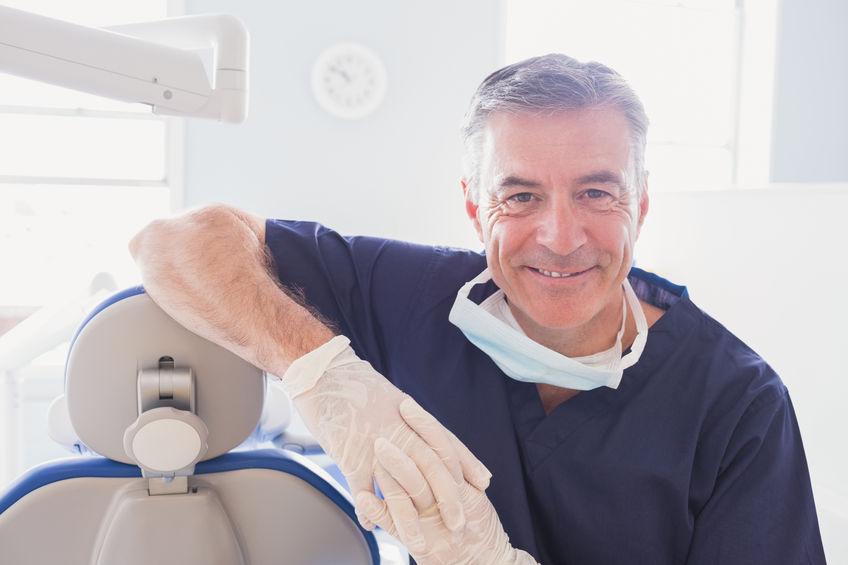 医者や歯科医たちにも受け入れられる遠絡(えんらく)療法のイメージ写真