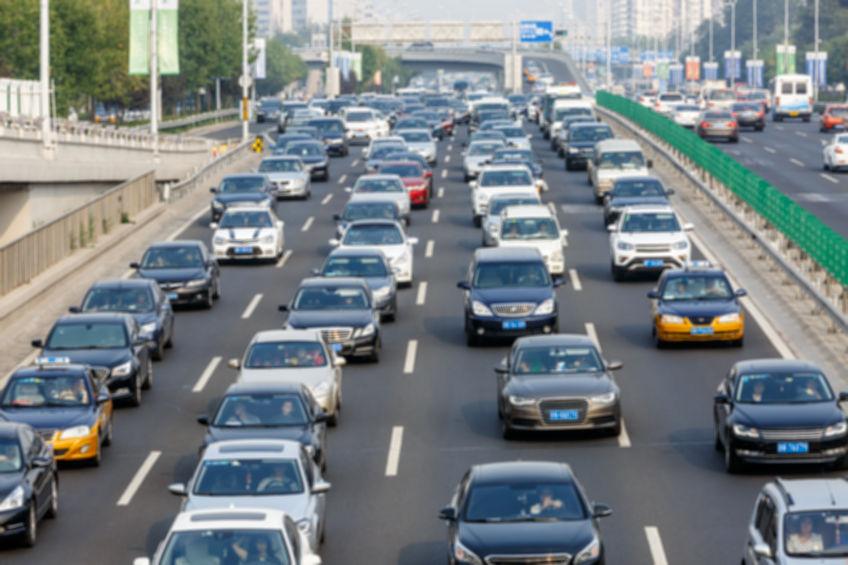 遠絡(えんらく)療法の気の流れが悪くなる例えの交通渋滞の写真