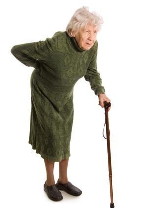 腰部脊柱管狭窄症で歩くのが辛い女性の写真