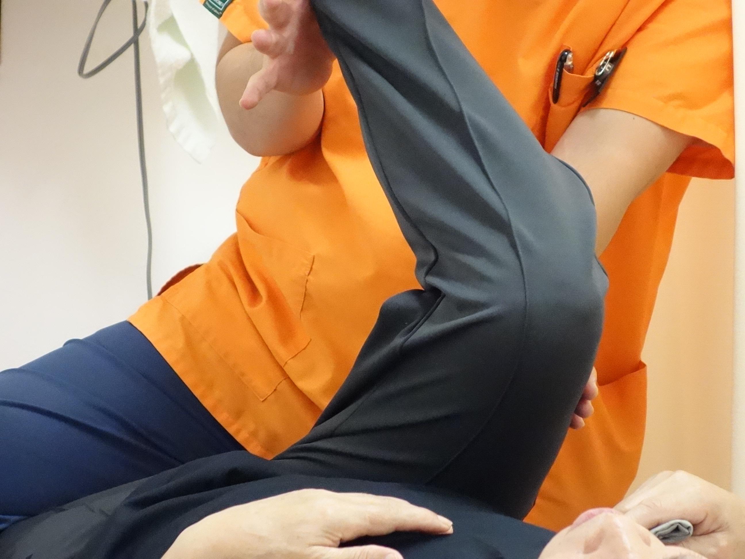 腰椎すべり症のストレッチ体操の写真