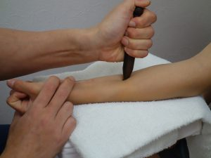 肉離れ治療の整骨院「宮谷小交差点前せいこついん」の肉離れの遠絡療法イメージ2