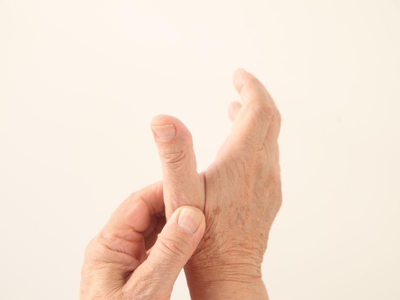 ばね指で親指が痛い写真