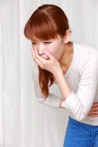 頭痛・片頭痛(偏頭痛)治療の整骨院「宮谷小交差点前せいこついん」の頭痛で吐き気があるイメージ
